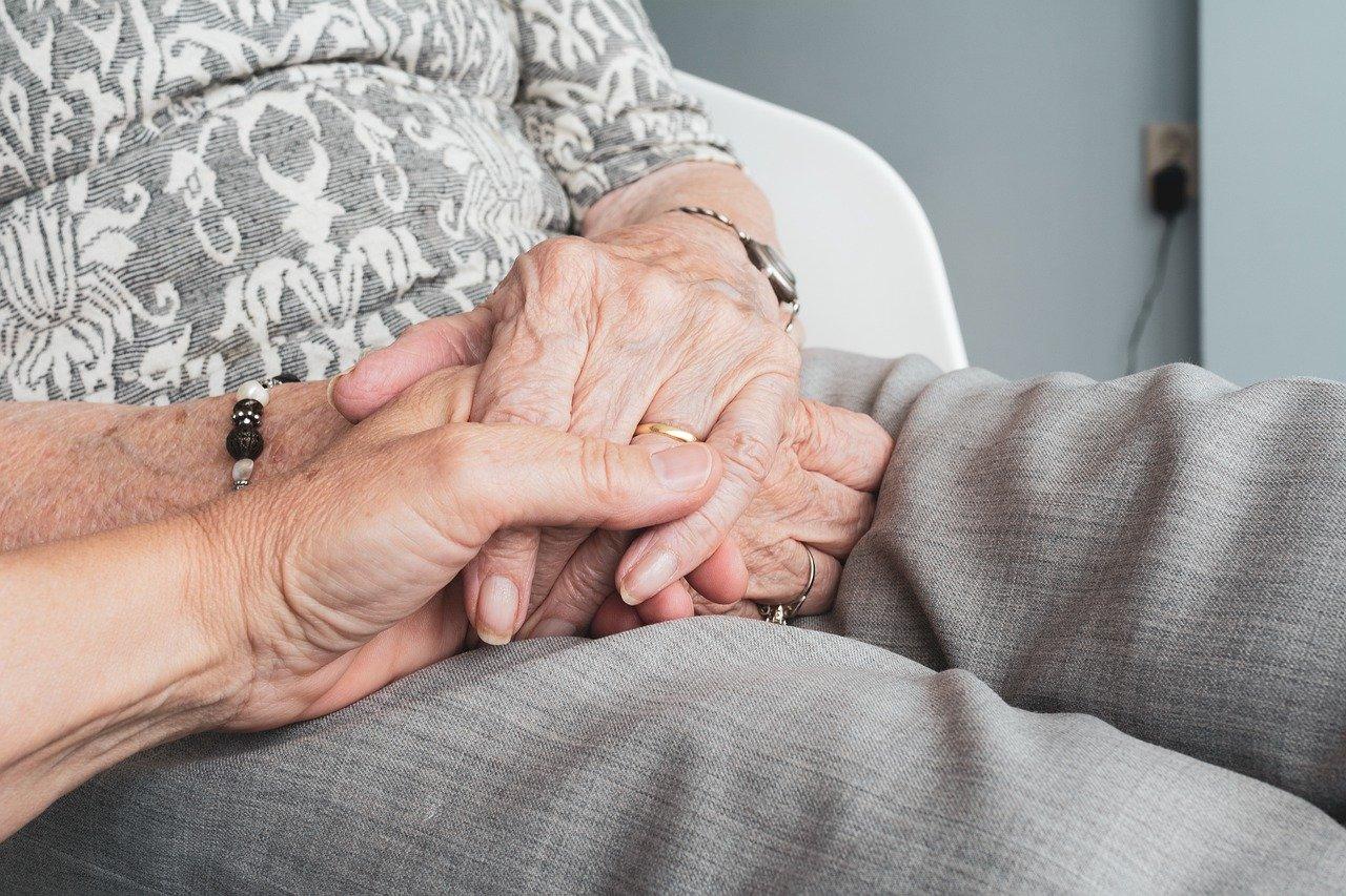 Juegos en casa para estimular la psicomotricidad en los mayores