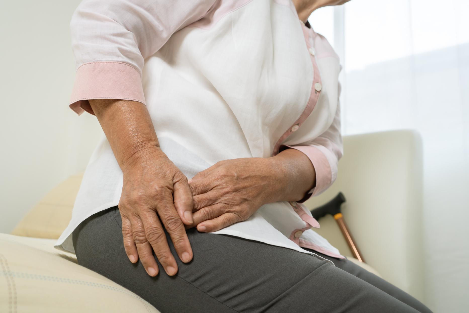 Operación de cadera en personas mayores
